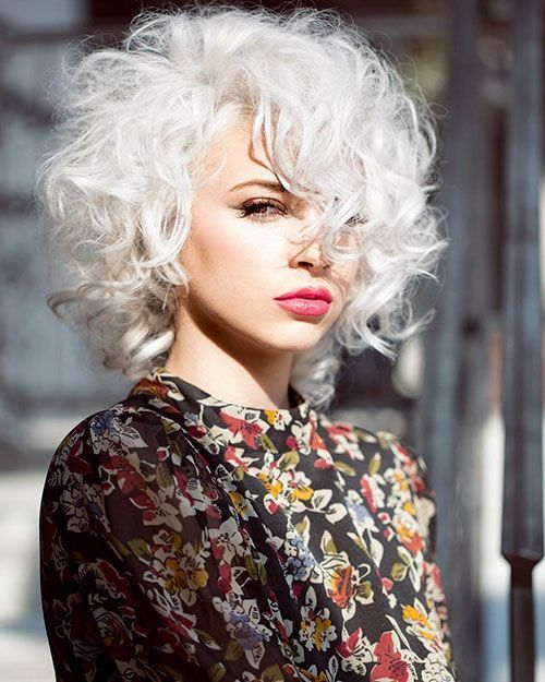 Short Curly White Hair In 2020 With Images Curly Hair Styles
