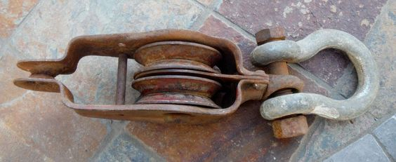 "**ANTIQUE VINTAGE STEEL HAY PULLEY AND ""U"" BOLT SHACKLE., USEABLE, & COLLECTIBLE"