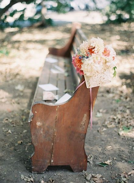 boho wedding idea - vintage church pews and and outside wedding ceremonyI'm so into this!!!