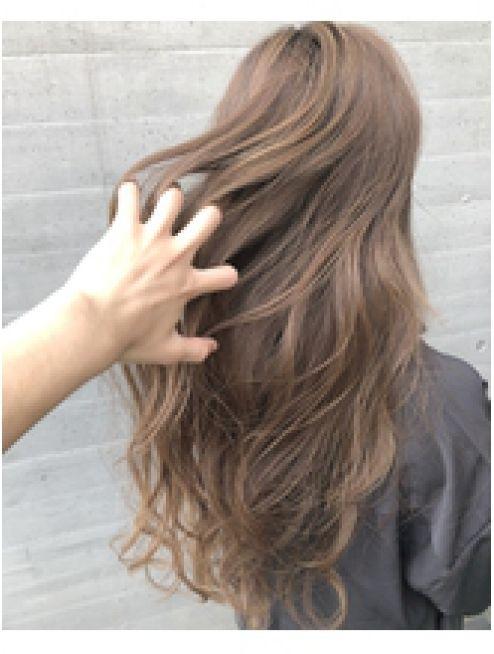 アライブ キチジョウジ Alive Kichijoji Alive吉祥寺 ミルクティーカラーベージュハイライトカラー 髪色 ベージュ カラフル ヘア ヘアスタイル