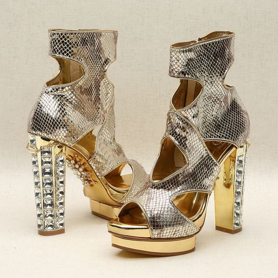 Gold strap shoes by Kyumbie #goldshoes #strapshoes