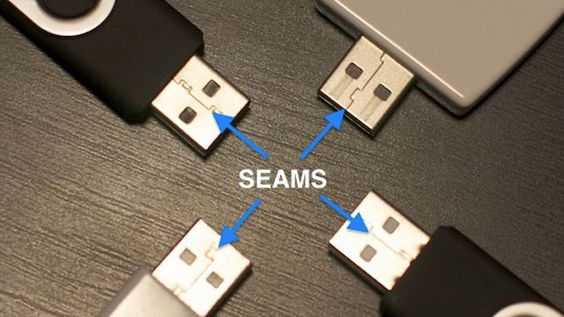 Plug in a USB Cable the Right Way the First Time by lifehacker: The USB connector seam should be facing down when you plug into a horizontal port and facing left on a vertical port. So, seams down and left! #USB_Cable #lifehacker