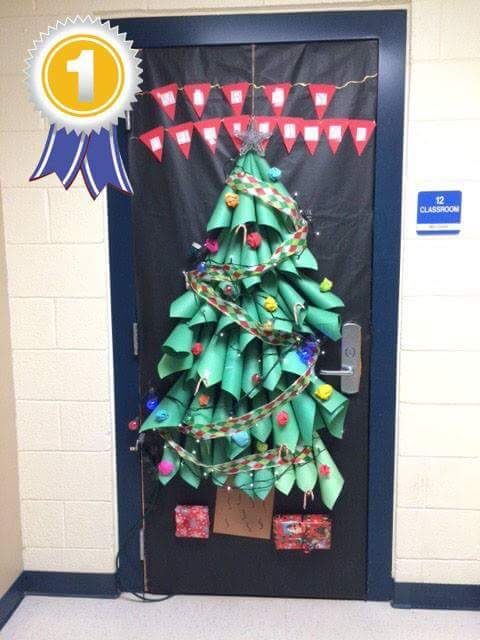 50 Innovative Classroom Door Christmas Decoration Ideas For