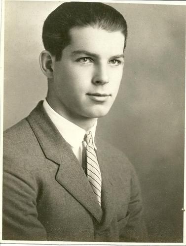 """Fred MacMurray:  Frederick Martin """"Fred"""" MacMurray (August 30, 1908 â November 5, 1991) was an American actor who appeared in more than 100 movies and a successful television series during a career that spanned nearly a half-century, from 1930 to the 1970s."""