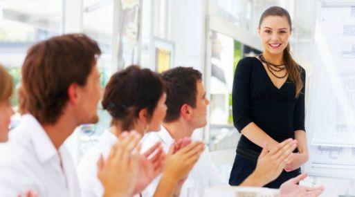 Cuando las relaciones amicales en el trabajo se ponen feas, el desempeño laboral puede verse afectado. Una de cada cuatro personas afirma que terminar una amistad en el trabajo resultó en una tensa relación laboral.