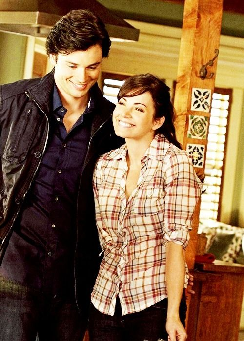 <3 Lois Lane and Clark Kent - I miss Smallville so much. :(