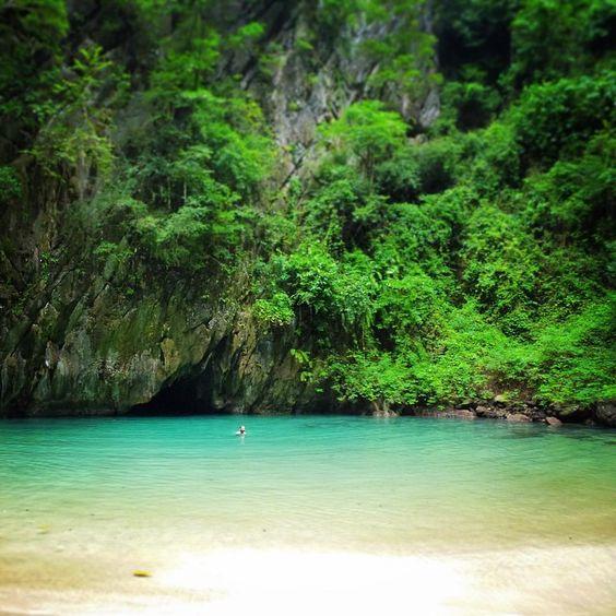 Emerald Cave, Ko Muk #thailand #koh #ko #mook #muk #komuk #kohmook #pearl #island #backpack #backpacker #backpacking #andaman #sea #cave #lagoon #thai #hidden #hiddengem #paradise #nature #secret #spot #emerald #emeraldcave #exploya #travel #planning #startup #inspiration