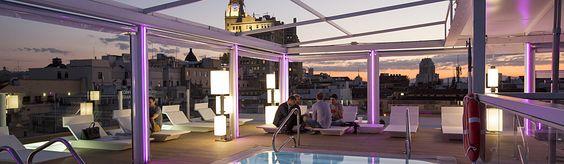Las terrazas en Madrid te ofrecen la posibilidad, tanto de día como de noche, de disfrutar de panorámicas 360 y momentos inolvidables que no tienen precio.