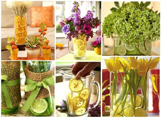 Leve todo o frescor da natureza para dentro de casa! Coloque junto aos arranjos de flores rodelas de frutas como limão ou laranja, seus cantinho vai transmitir a sensação de bem-estar.