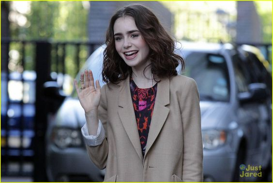 Lily Collins: ITV Studios Arrival | lily collins itv studios arrival 03 - Photo Gallery | Just Jared Jr.
