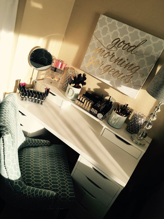 Office space & makeup setup for a pro national makeup artist with video tour