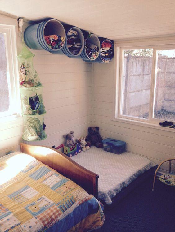 Closet de baldes reciclados muebles pinterest armario for Armarios reciclados