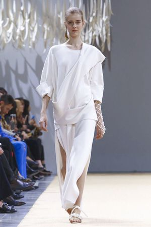 Allude Ready To Wear Spring Summer 2016 Paris - NOWFASHION