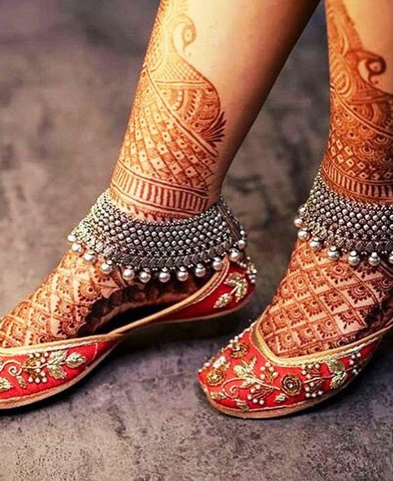 Payal/ Foot jewellery/ jewelry/mehendi/ mehndi/Wedding/ wedding jewellery/ Bride/ bridal/ bridal jewellery/ inspiration/ wedding style/ bride goals