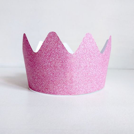 Be the queen or the king the party with this perfect glitter crown. Download, print, cut and paste, youre ready to have fun! Exists in different colors (gold, silver and pink).  Dimensions: 44,4cm x 7,6cm  Your will receive a digital file (PDF). 2 pages.