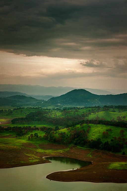 radivs: 'Umiam Lake' por Mrigankamouli Bhattacharjee
