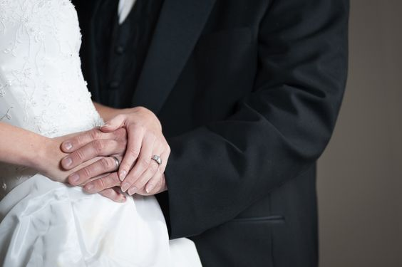 Wedding photography ideas. Ring photos. Photography by Craig Wolford.