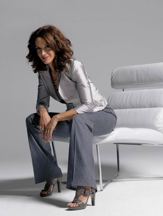 Jennifer Beals, Actress: was born on December 19, 1963 in Chicago... how can you look like this at 50????