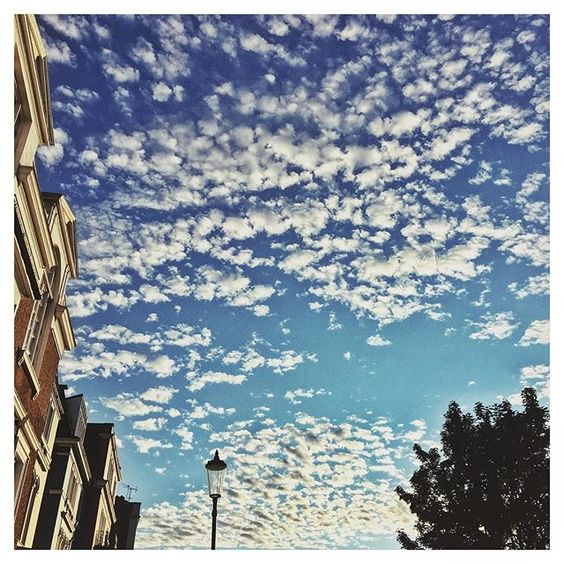 The #London sky last night was very special. #nottinghill #howisummer #robotontheroad