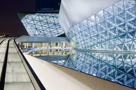 Zaha Hadid - Guangzhou Opera
