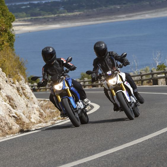 bmw g310r are having an awesome ride. bmob bmw motorcycles of