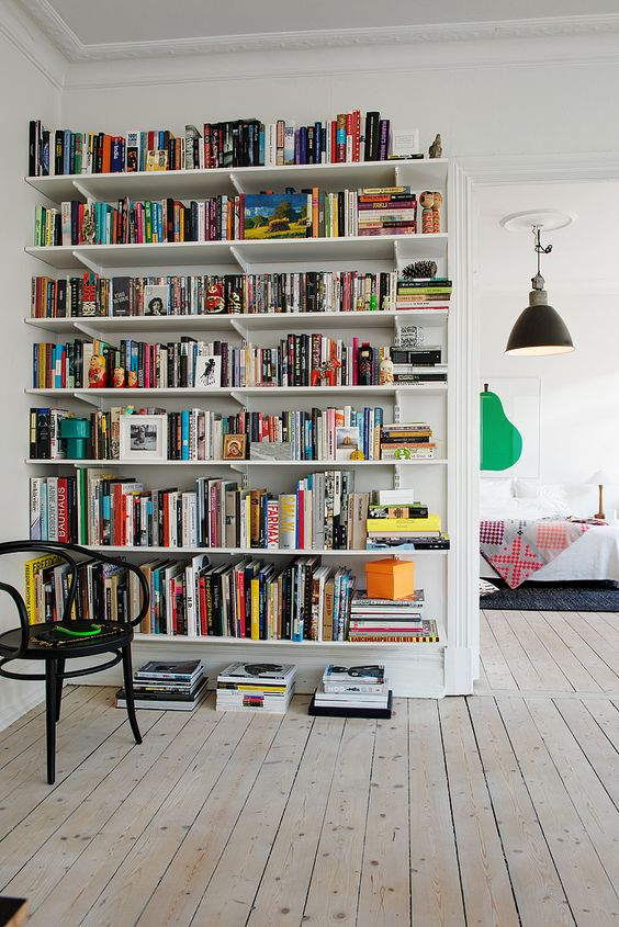 Maybe I can live with bracketed shelves?: