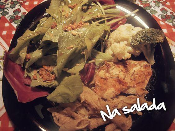 Granola salgada Granpure na salada