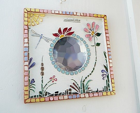 DIY: Mosaic Garden Porthole with styrofoam