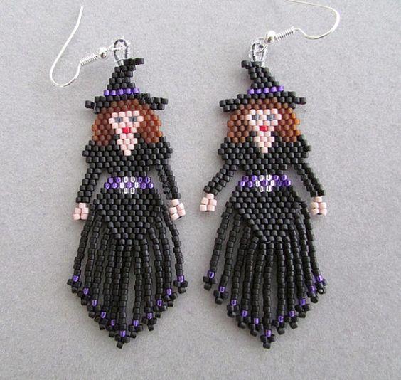 Ces mignonnes perles Boucles doreilles de sorcière, avec bandeau violet et ceinture, measure1 « large et 2-1/2 po long, à lexclusion des