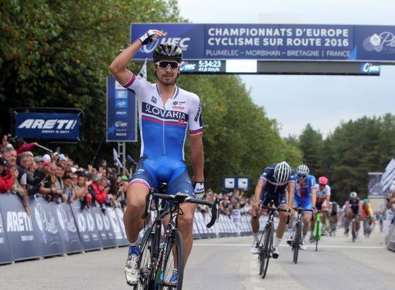 Championnats d'Europe de cyclisme sur route : Peter Sagan, de l'arc-en-ciel aux étoiles -  Le circuit de Plumelec s'annonçait parfait pour les puncheurs puissants, capables d'assurer un sprint en montée sur plusieurs hectomètres. Et cela s'est confirmé : la première course en ligne des championnats d'Europe destinée aux professionnels a couronné l'un des meilleurs spécialistes de ce t