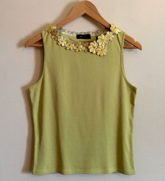 Id|ENTITY T-Shirt Size M Sleeves 100% Cotton Yellow Flowers Blouse Top Summer…