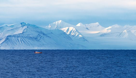 isfjord - Fisherman braving the coldness at Svalbard, one of the last wildernesses of Europe...
