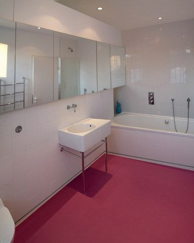 Dalsouple Rubber flooring in bathroom. Corian   HI MACS Seamless Wetroom Floors   Solidity   Acril