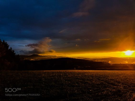 Traumhafter Sonnenuntergang  by RIserPhotography.