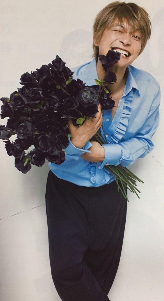 黒い花と香取慎吾