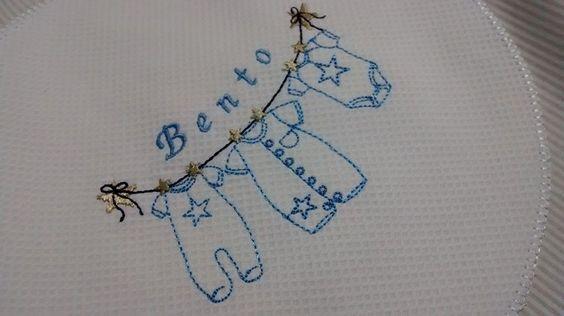Organizador de roupinhas para maternidade www.coresealgodao.com.br
