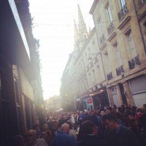 Rue Notre Dame des Chartrons - Fête du vin nouveau et brocante  #bordeaux #chartrons #brocante #antiquaire #oldschool #vintage