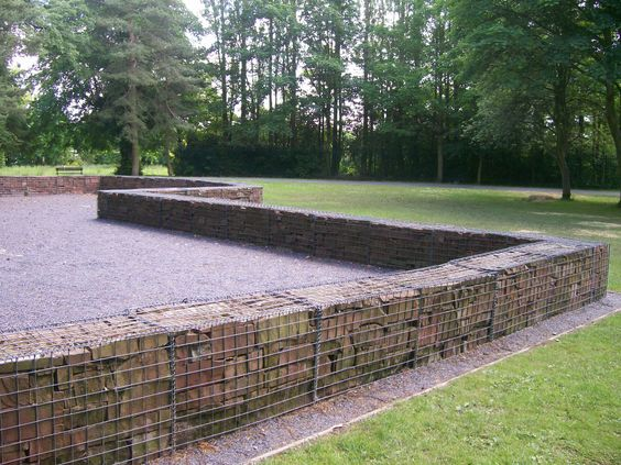 gabions, park wall