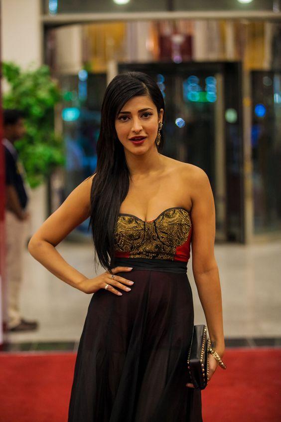 Shruti Hassan Photos at SIIMA Awards 2013 - Picture 9885   Vinodham.com