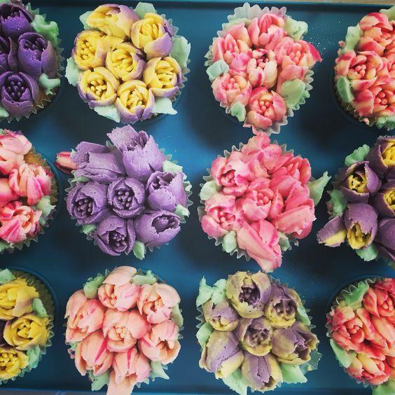 Tulip cupcakes Www.sparklingbakes.co.uk