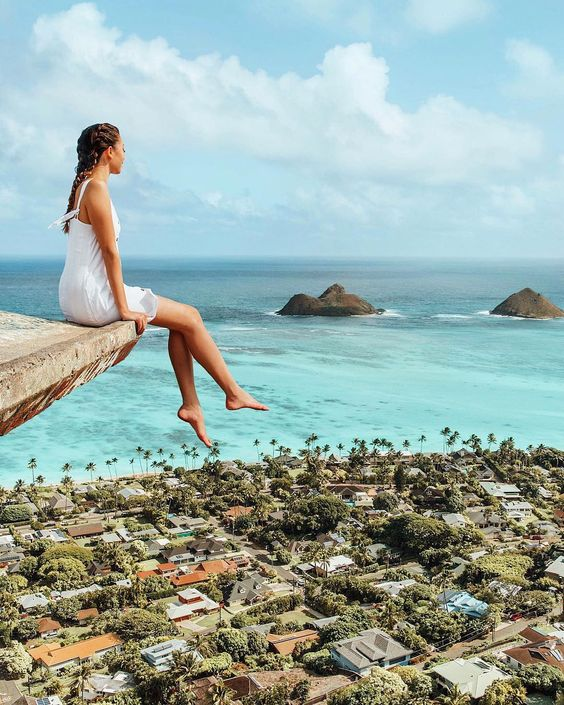 "Tara Milk Tea (@taramilktea) on Instagram: ""Hey, I'll be up here if you need me. 👋🏻🤩 Exploring Oahu's treasures with @alohilaniresort…"""
