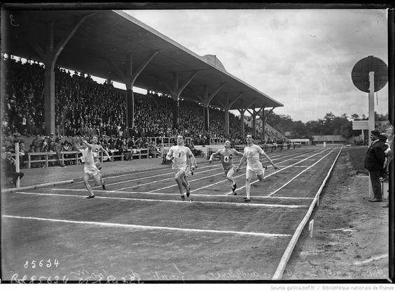 Pershing, 29/7/23, France-Angleterre [championnat d'athlétisme], finale du 100 m, 1er William Nichol, 2e Lance Royle, 3e Thomas Matthewman, 4e Verquin