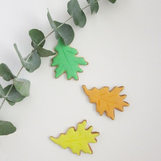 Lot de 3 Feuilles d'Automne via Kool and the Cake. Click on the image to see more!