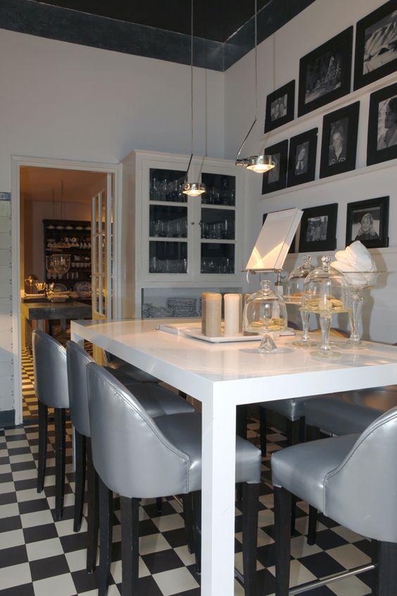 Hoge Bartafel Keuken : Hoge bartafel in de keuken van Suzanne Loggere – Loggere Wilpower
