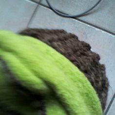 Beret compose de deux matiere laine bouillie et laine tricot