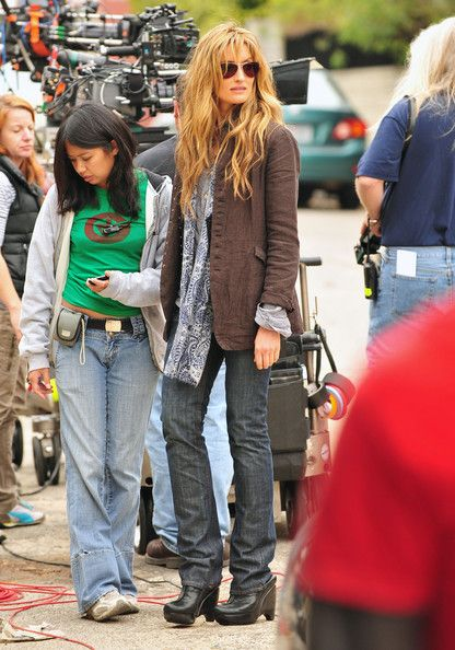 Natasha McElhorne's Californication character's style is great.  Best haircut ever.