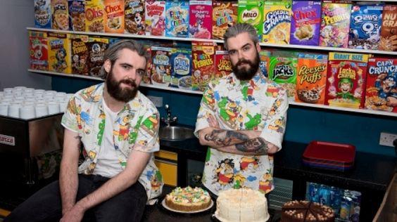 Alan y Gary Keery son dos gemelos que tuvieron la idea de montar un 'cereal café' tras deambular por Londres sin encontrar ningún sitio en el que tomar un tazón de Corn Flakes o similar. Su garito acaba de abrir y ya lo está reventando.