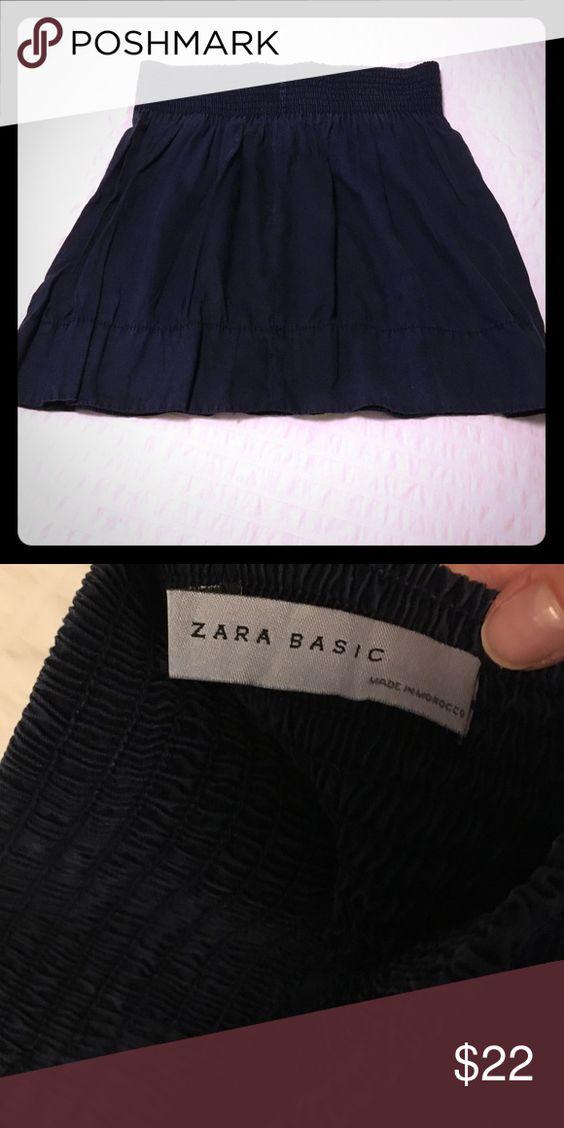 🎉SALE🎉Navy skirt Cute short skirt. Navy with wide waist band Zara Skirts Mini