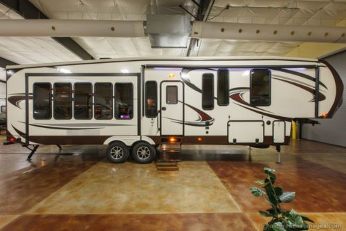 Fifth wheel travel trailers and campers on pinterest - Front living room travel trailers ...