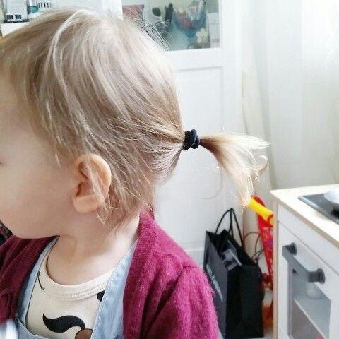 Tiny ponytail